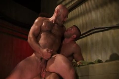 Muscled man spunk charming