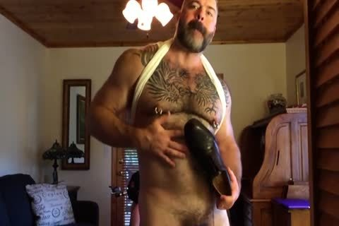 Suited Muscle Bear dad Jerks Off