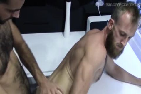 Australian Amateurs sucking large 10-Pounder And raw