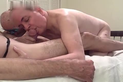 4 daddy guys bang And suck In A Motel Room